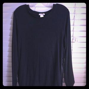 Long sleeved, comfy Matty M lounge navy shirt!